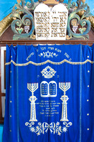 Torah cover in Tzfat Synagogue_0588