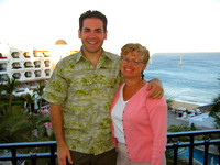 Ben_and_Mom_on_the_hotel_balcony