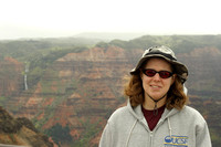 Tammy_in_front_of_Waimea_Canyon_001