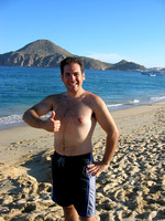Thumbs_up_for_Cabo_2004