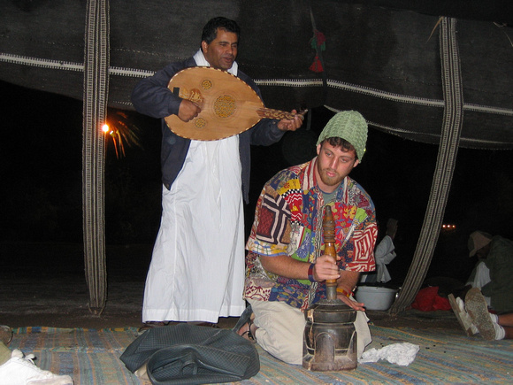 Gabe_playing_the_coffee_grinder_at_the_Bedouin_camp